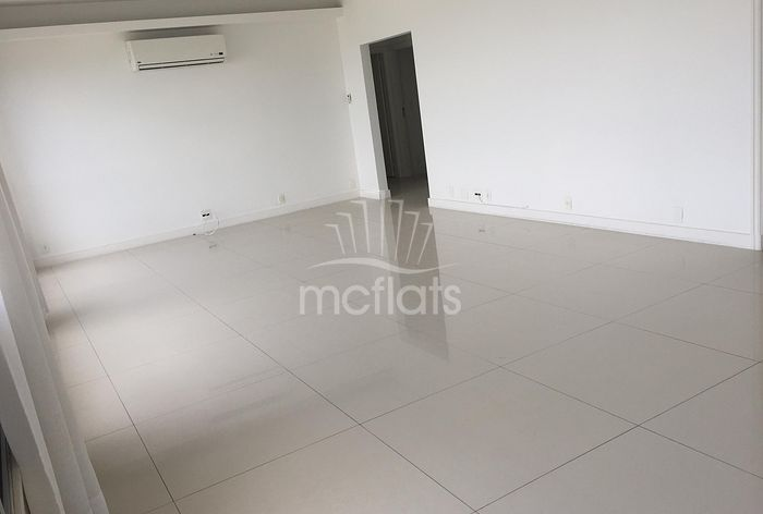 Leblon 3 Bedrooms max  Persons